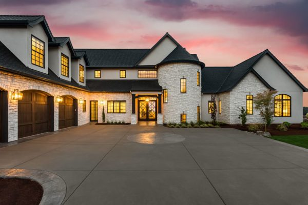 Is It Time to Build Your Luxury Home?
