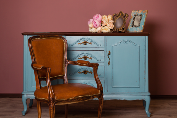 Shopping for Antique and Vintage Furnishings